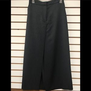 Express skirt, Size 6 charcoal gray